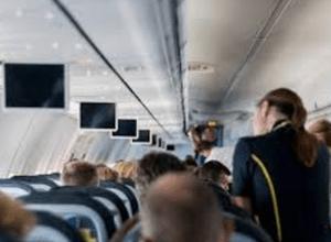 wat verdient een stewardess aan salaris?
