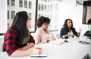 wat verdient een administratief medewerker aan salaris
