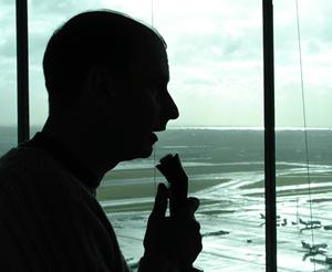 wat verdient een luchtverkeersleider aan salaris?