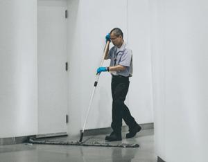 salaris facilitair medewerker