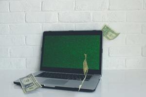 online geld verdienen en rijk worden via het internet